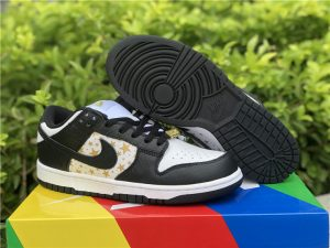 Supreme x Nike SB Dunk Low OG QS White/Metallic Gold/Black DH3228-102