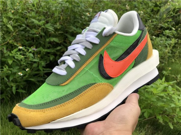 Sacai x Nike LDV Waffle Green Gusto Daybreak Green BV0073-300 In Hand